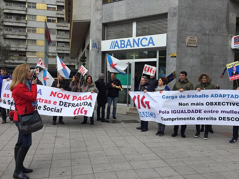 19 04 04 ProtestaAbancaOurense01